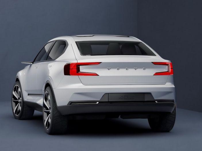 La nuova Volvo V40 2019 arriverà anche 100% elettrica - Foto 3 di 10