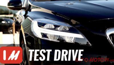 Volvo Selekt: la nostra prova di V40 Cross Country