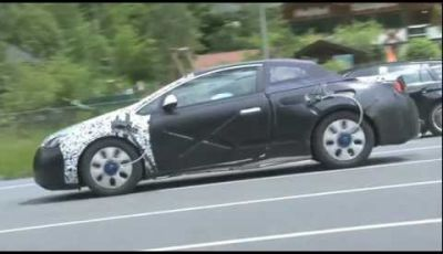 Opel Astra CC video spia