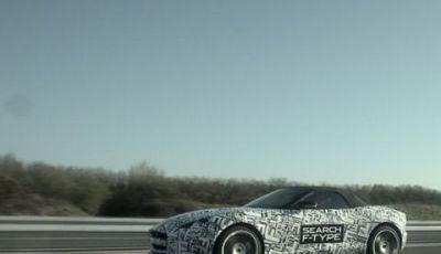 Jaguar F-Type: la prossima spider del giaguaro viene collaudata in pista