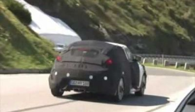 Video Hyundai Veloster Spy