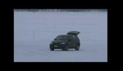 BMW i3 video spia dei test sulla pista ghiacciata