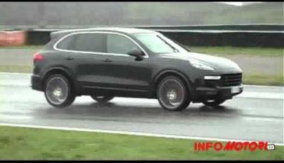 Porsche Cayenne Turbo provata sulla pista di Franciacorta