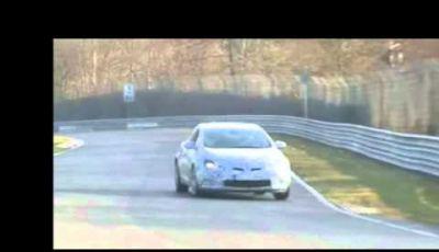 Opel Astra GTC OPC video spia in pista al Nürburgring