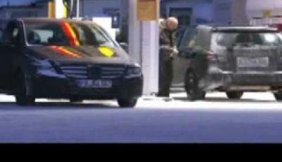 Mercedes Classe B spy video della media rivale di Audi A3