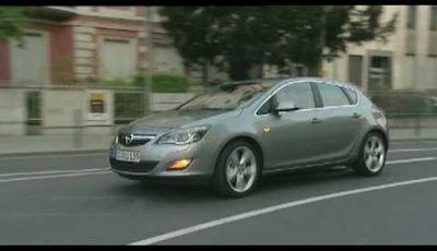 Video Nuova Opel Astra