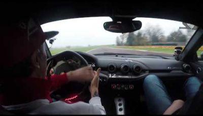 Kimi Raikkonen in pista a Fiorano con la Ferrari F12 Berlinetta