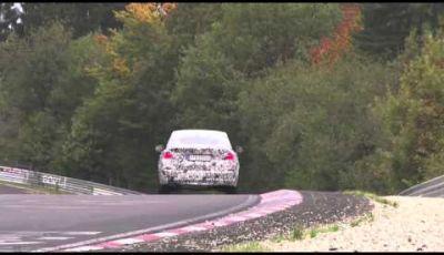 BMW X4 video dei test drive a Nurburgring