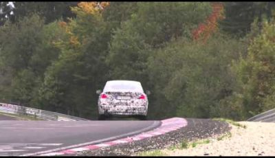 BMW X4 video dei test drive a Nurburgring