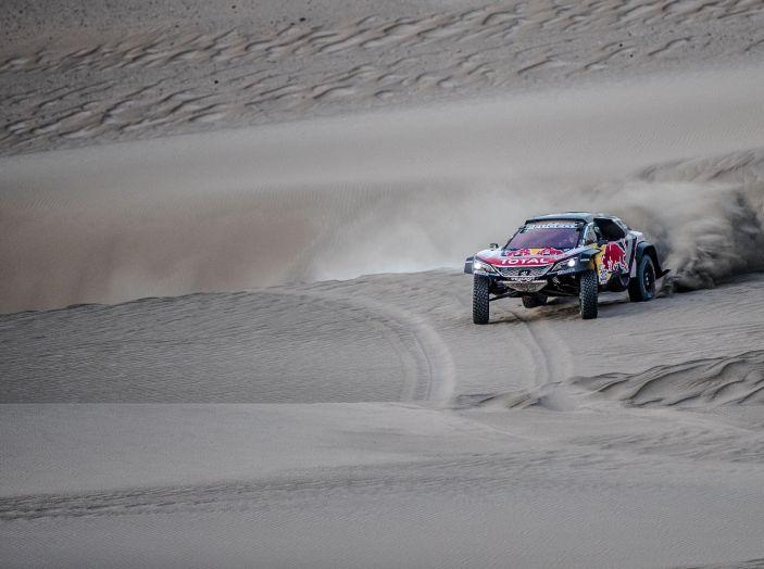 Dakar 2018 – Nuova vittoria della Peugeot 3008DKR ma ritiro di Loeb/Elena - Foto 3 di 5