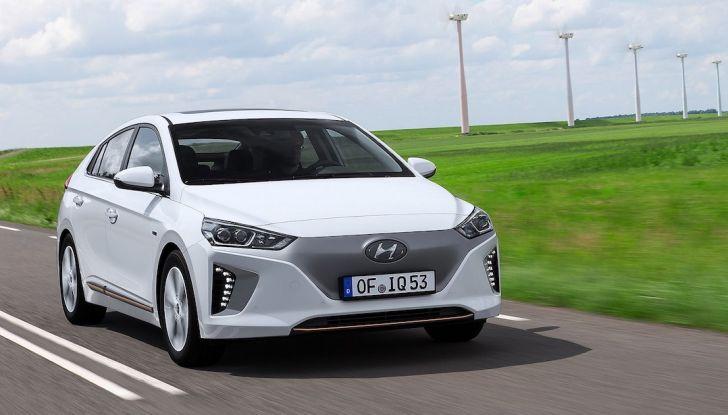 Auto elettriche: si risparmiano almeno 12.000€ in 10 anni - Foto 2 di 13