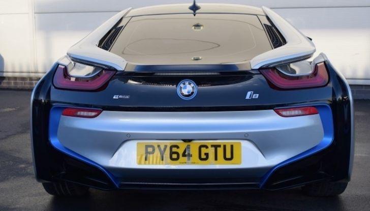 La BMW i8 di Wayne Rooney è in vendita a 70 mila euro - Foto 2 di 12