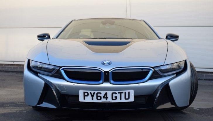 La BMW i8 di Wayne Rooney è in vendita a 70 mila euro - Foto 1 di 12