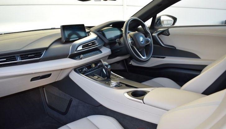 La BMW i8 di Wayne Rooney è in vendita a 70 mila euro - Foto 7 di 12