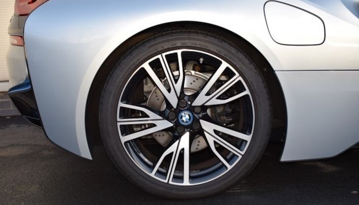La BMW i8 di Wayne Rooney è in vendita a 70 mila euro - Foto 6 di 12