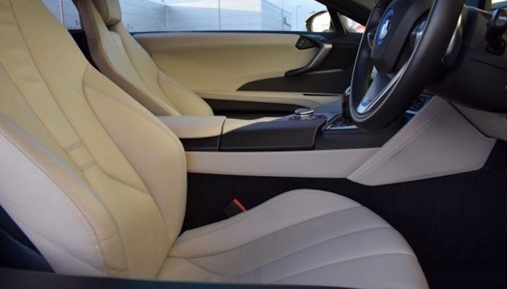 La BMW i8 di Wayne Rooney è in vendita a 70 mila euro - Foto 11 di 12