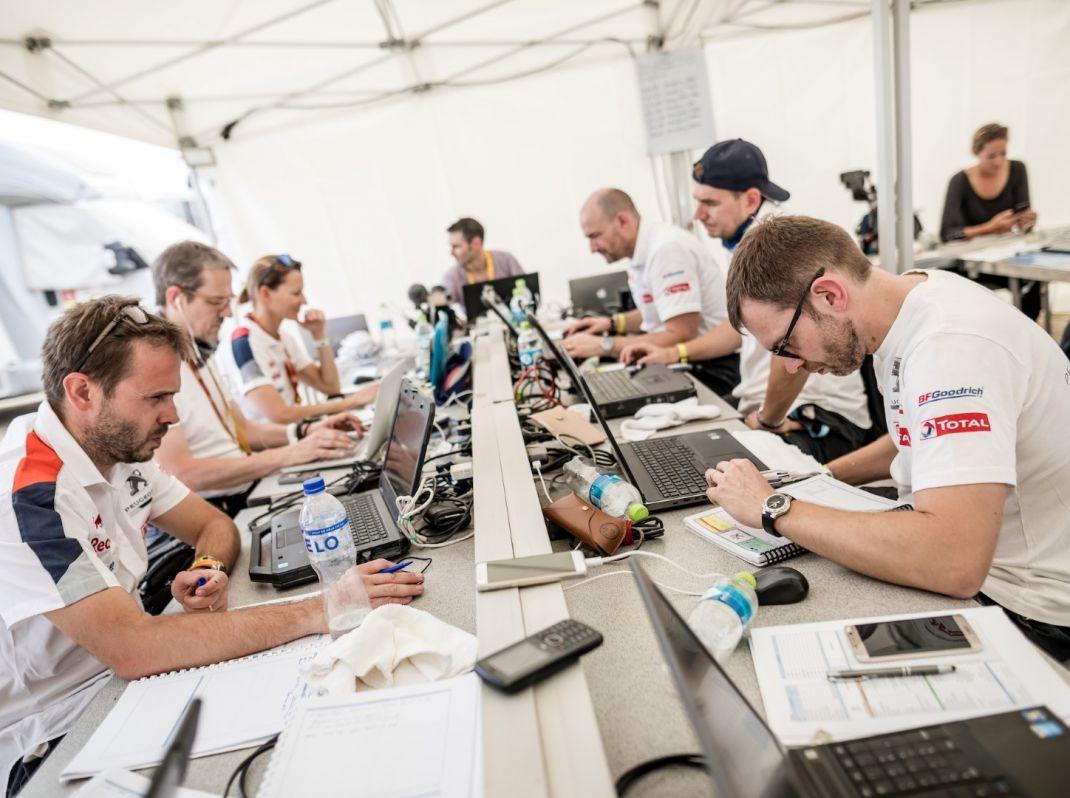 Dakar 2018: Sainz trionfa con la sua Peugeot!