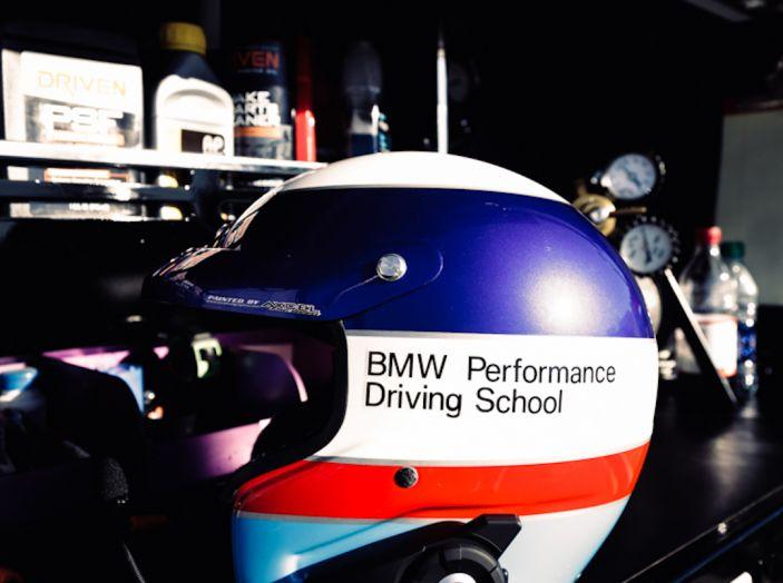 La BMW M5 nel Guinness World Record per il Drifting più lungo al mondo - Foto 11 di 17
