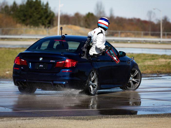 La BMW M5 nel Guinness World Record per il Drifting più lungo al mondo - Foto 14 di 17