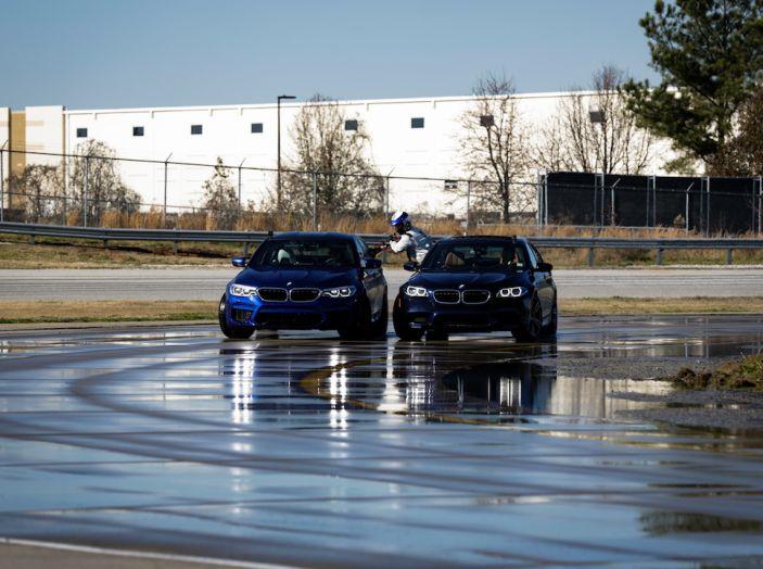 La BMW M5 nel Guinness World Record per il Drifting più lungo al mondo - Foto 1 di 17
