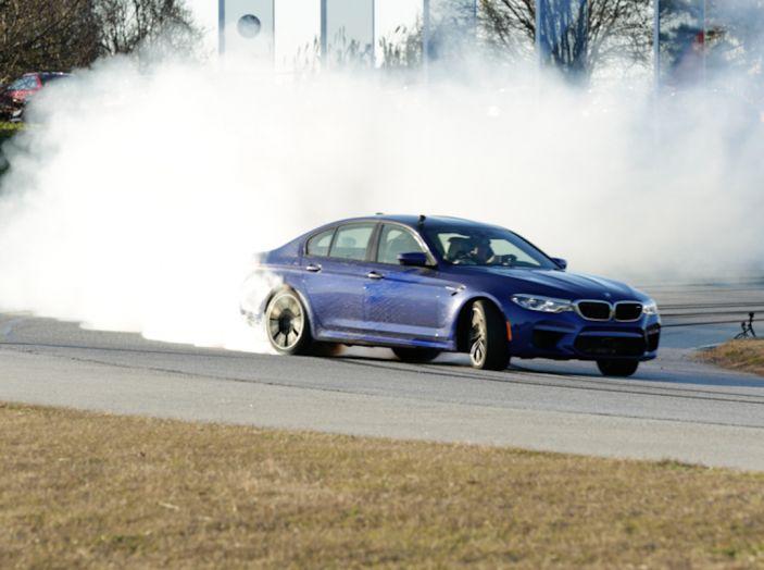La BMW M5 nel Guinness World Record per il Drifting più lungo al mondo - Foto 17 di 17