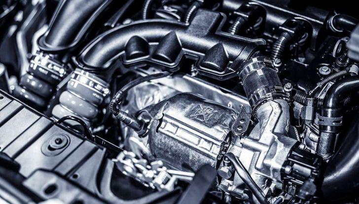 I 9 consigli per far vivere a lungo il motore dell'auto - Foto 11 di 12