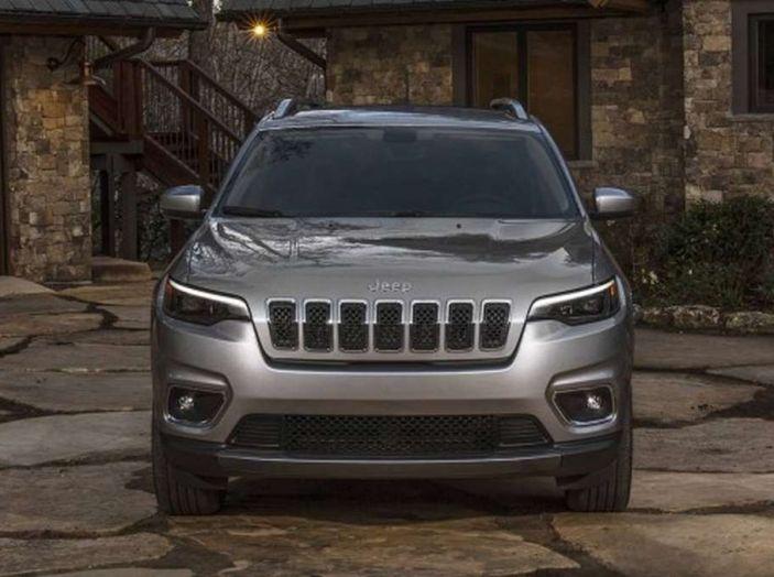 Jeep Cherokee 2018 restyling, nuovo frontale e motori - Foto 16 di 16