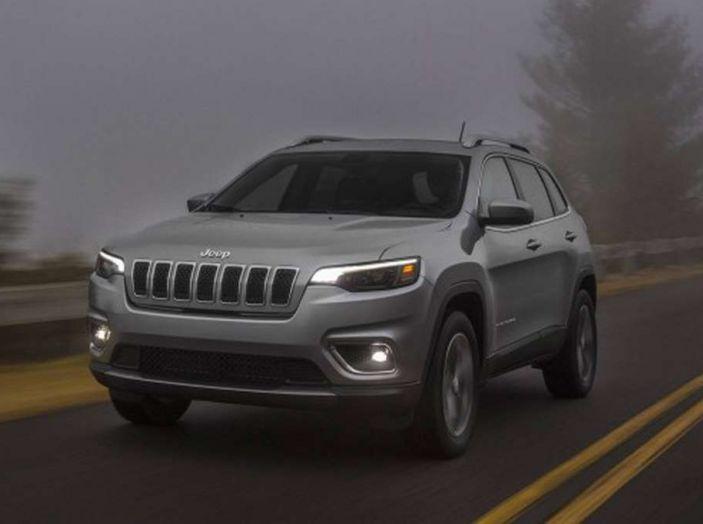 Jeep Cherokee 2018 restyling, nuovo frontale e motori - Foto 9 di 16