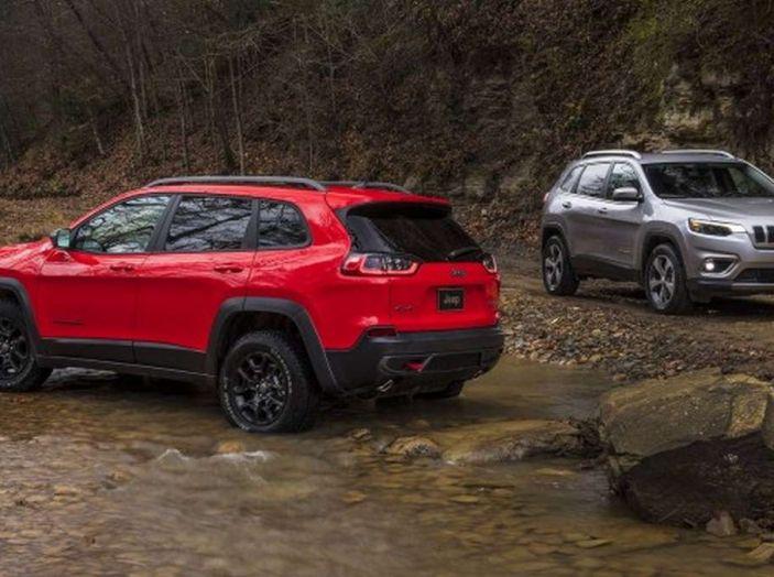 Jeep Cherokee 2018 restyling, nuovo frontale e motori - Foto 7 di 16