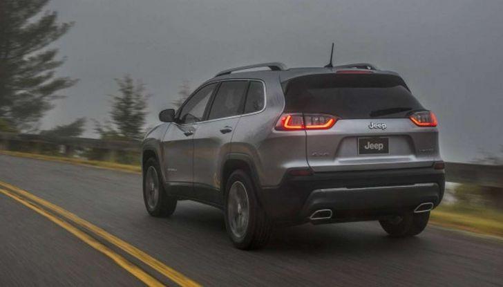 Jeep Cherokee 2018 restyling, nuovo frontale e motori - Foto 11 di 16