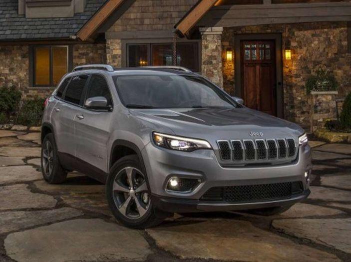 Jeep Cherokee 2018 restyling, nuovo frontale e motori - Foto 13 di 16