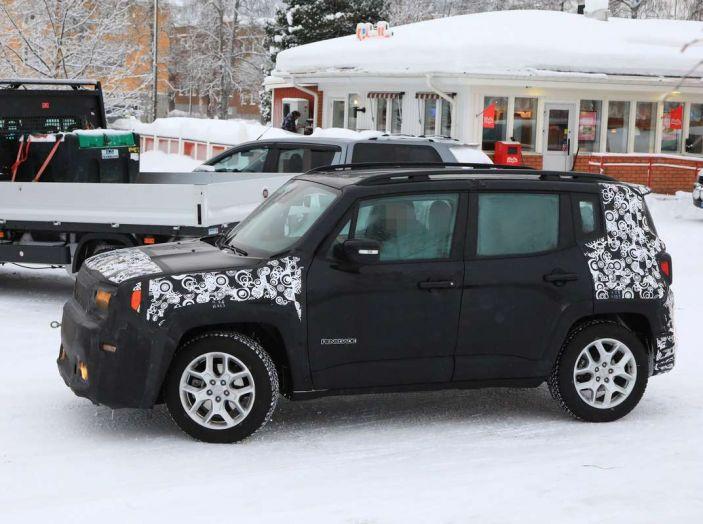 Jeep Renegade restyling 2019, prime immagini dei test - Foto 34 di 34