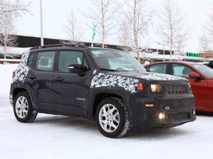 Jeep Renegade restyling 2019, prime immagini dei test - Foto 4 di 34