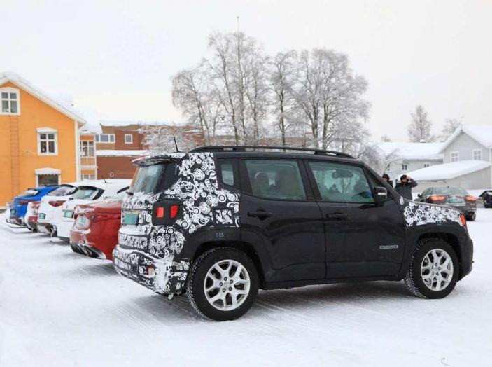 Jeep Renegade restyling 2019, prime immagini dei test - Foto 17 di 34