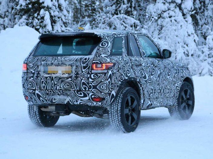 Nuova Land Rover Defender 2018, prime immagini dei test dinamici - Foto 7 di 9