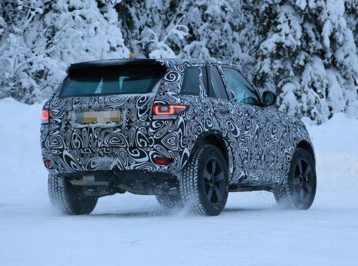 Nuova Land Rover Defender 2018, prime immagini dei test dinamici - Foto 8 di 9
