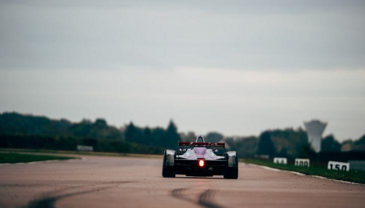 DS Virgin Racing: Eriksson ai Rookie Test - Foto 4 di 5