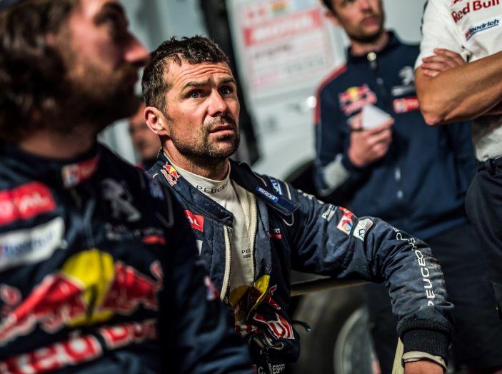 Dakar 2018 – Cyril Despres torna in gara dopo l'incidente con la sua Peugeot 3008DKR Maxi! - Foto 3 di 4