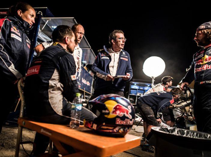 Dakar 2018 – Cyril Despres torna in gara dopo l'incidente con la sua Peugeot 3008DKR Maxi! - Foto 4 di 4