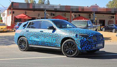 Mercedes EQ C, il nuovo SUV elettrico debutta su strada