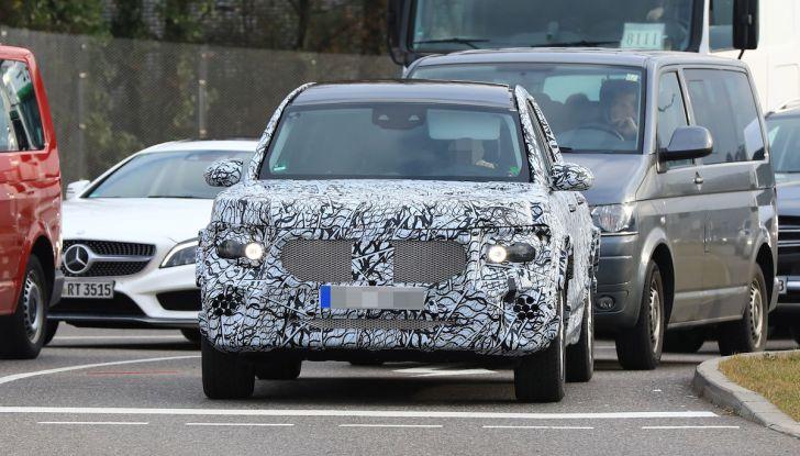 Mercedes GLB 2020, il nuovo SUV della Stella per ampliare la gamma - Foto 2 di 8