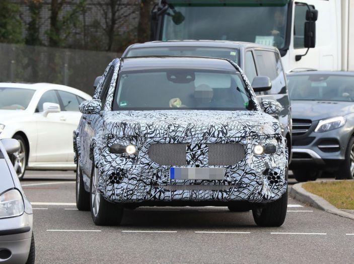 Mercedes GLB 2020, il nuovo SUV della Stella per ampliare la gamma - Foto 3 di 8