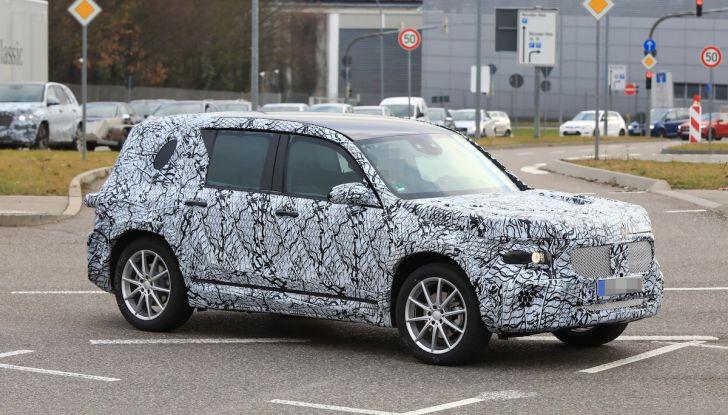 Mercedes GLB 2020, il nuovo SUV della Stella per ampliare la gamma - Foto 1 di 8