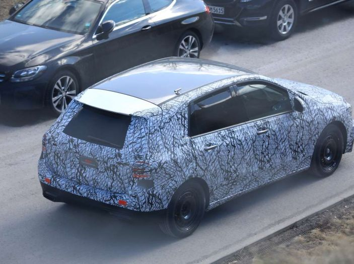 Mercedes Classe B 2019: più sportiva e tecnologica, ancora accogliente - Foto 8 di 28