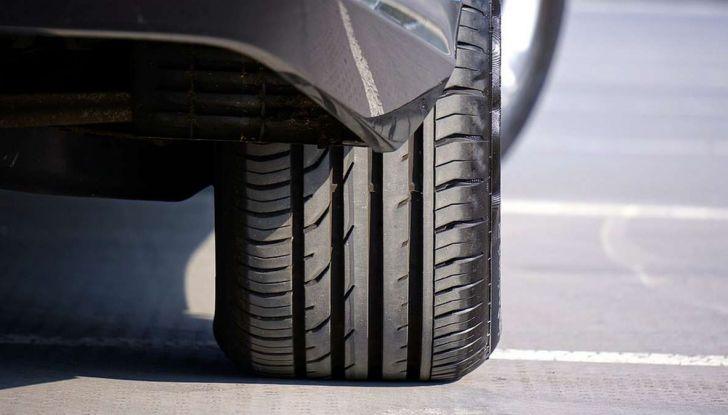 Check-Up estivo degli pneumatici: controlli, precauzioni e consigli con Michelin - Foto 9 di 16