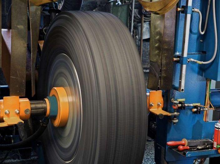 Check-Up estivo degli pneumatici: controlli, precauzioni e consigli con Michelin - Foto 5 di 16