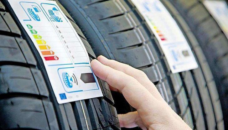 Check-Up estivo degli pneumatici: controlli, precauzioni e consigli con Michelin - Foto 3 di 16
