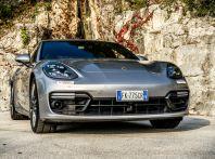 Prova su strada Porsche Panamera 4 E-Hybrid: spettacolo d'elite con la seconda serie