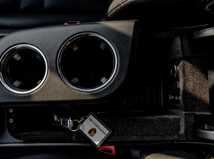 Prova su strada Porsche Panamera 4 E-Hybrid: spettacolo d'elite con la seconda serie - Foto 28 di 34