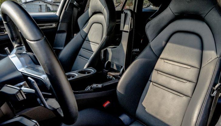 Prova su strada Porsche Panamera 4 E-Hybrid: spettacolo d'elite con la seconda serie - Foto 29 di 34